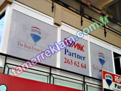 Remax Partner One Way Vision Cam Kaplaması